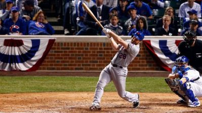 Daniel Murphy lead the Mets to a sweep of the Cubs one home run at a time. (www.fosports.com)